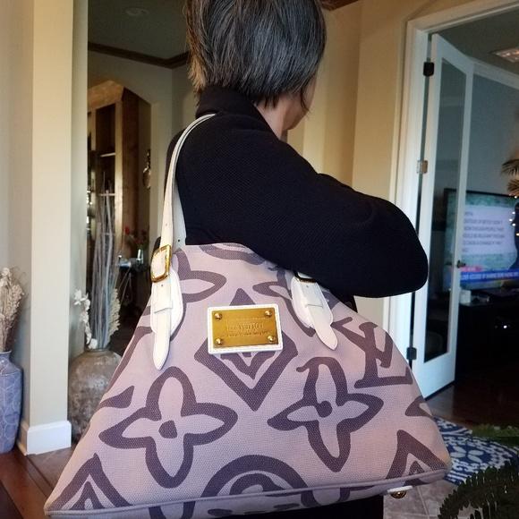 Louis Vuitton Handbags - Authentic Louis Vuitton Tahitienne Purple Cruise L